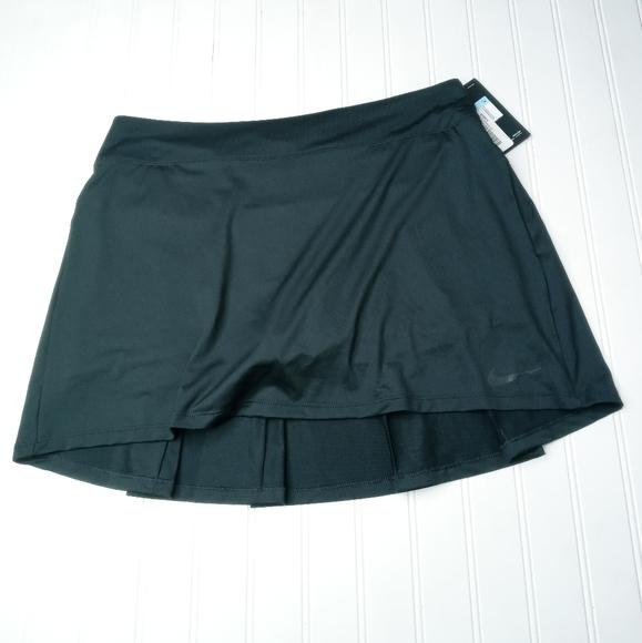 Nike black sport skirt